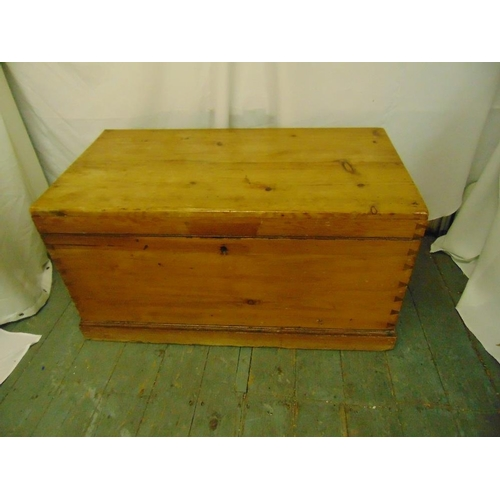 20 - A rectangular pine blanket box with hinged cover...