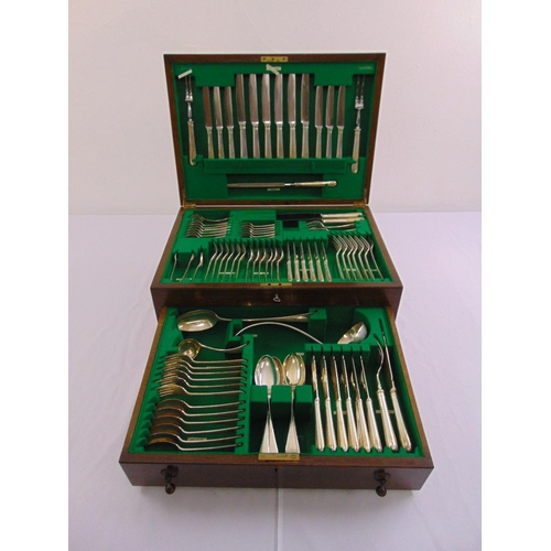 343 - A canteen of silver Old English pattern flatware for six place settings to include fish eaters, a so...