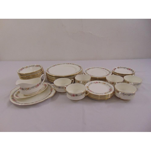 115 - Paragon Royal Albert Belinda dinner service to include dinner plates, soup bowls, sauce boat and sta...