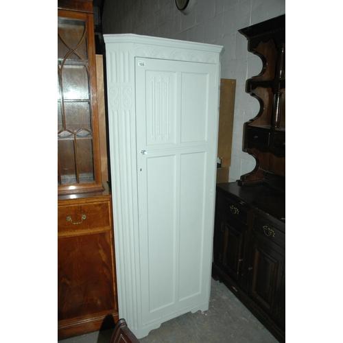 105 - Shabby-chic corner cupboard