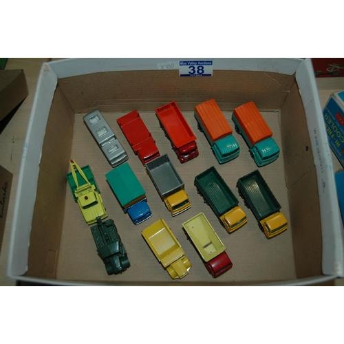 13 diecast Matchbox lorries, all in excellent condition