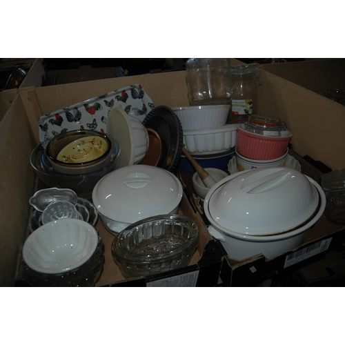 2 boxes of cookware