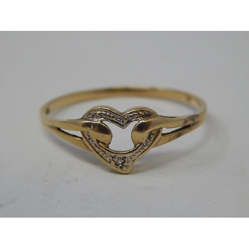 9 - 8ct gold ring set diamonds. 1.6g gross...