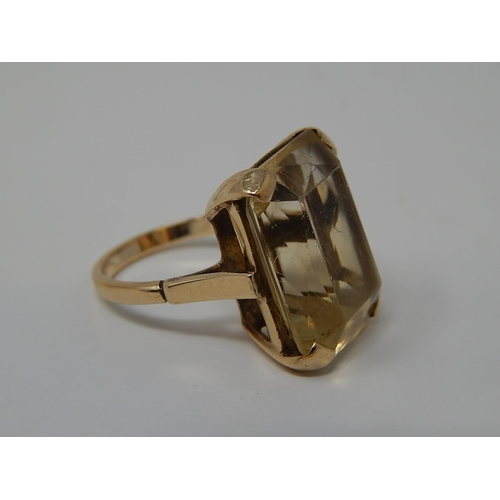 49 - 9ct Gold Ring set Large Topaz approx 10ct. Ring Size M...