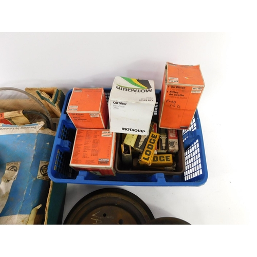 3042 - Car parts, to include a Motaquip oil filter, further oil filters, a pair of Viva brake drums, Lodge ...