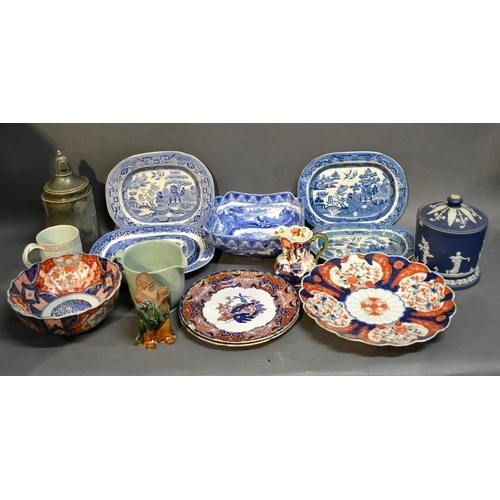 33 - A Set Of Five 19th Century Under Glazed Blue Decorated Willow Pattern Platters, together with variou...