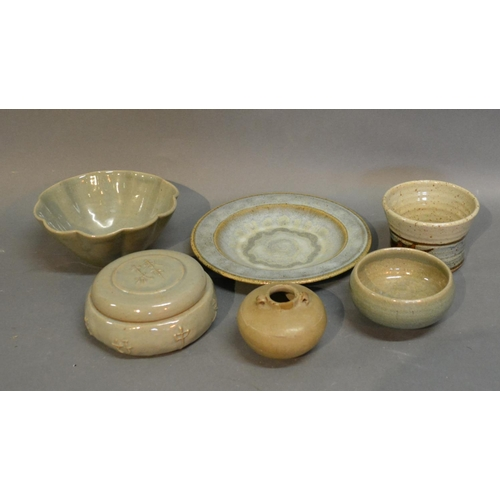 48 - Jeremy Leach Studio Pottery Covered Box In The Chinese Style, together with five other pieces of Stu...