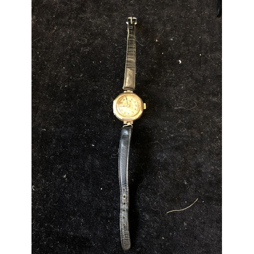 2 - A Ladies octagonal wristwatch, 15 jewel Swiss movement, 9ct, case stamped 9, 375, FD, 1237H with Sco...