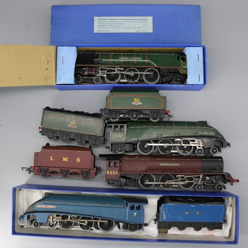 37 - Hornby Dublo Silver King Sir Nigel Gresley, Duchess of Atholl, Duchess of Montrose boxed with D12 te...