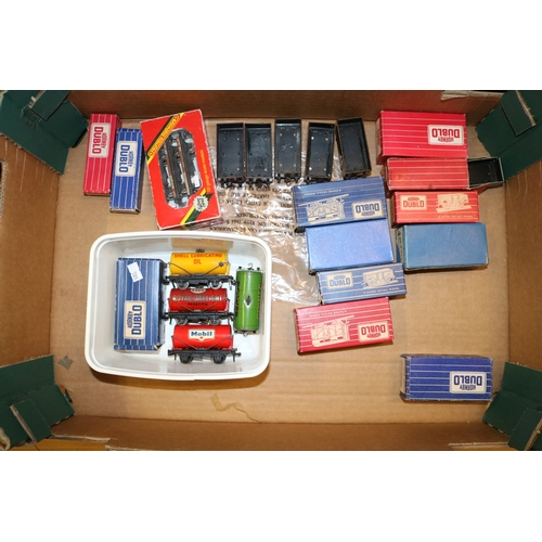38 - A good selection of boxed and unboxed Hornby Dublo wagons etc....
