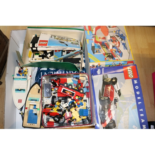 27A - A box of assorted Lego...