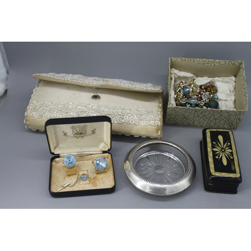 66 - Costume jewellery to include beaded bag, inlaid trinket box etc....