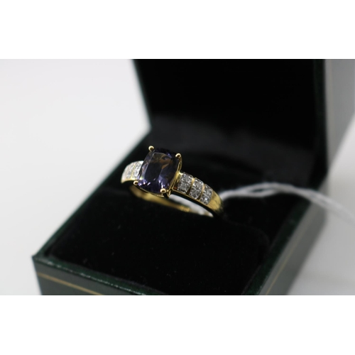 15 - A QVC 9k gold decorative dress ring approx size O/P...