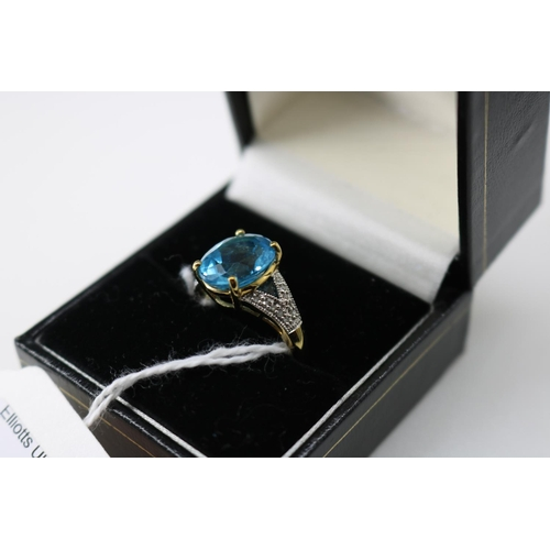 5 - A QVC 9k gold decorative dress ring approx size O/P...