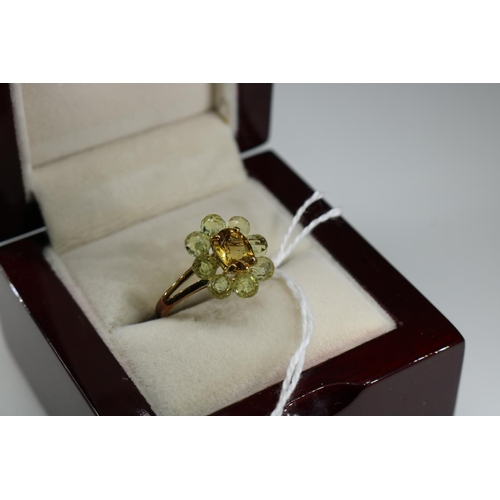 52 - 9ct gold decorative dress ring approx size O...