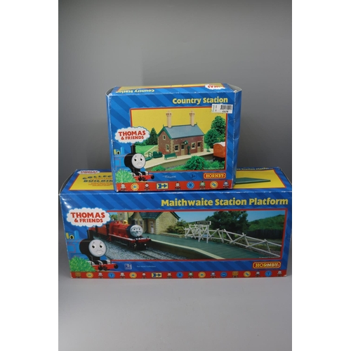 43 - Hornby Thomas and Friends Country Station R9037 together with Maithwaite station platform R9219...