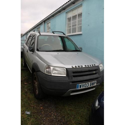 2 - A Landrover Freelander, handbrake not working, wheels possibly seized. (no paperwork)...