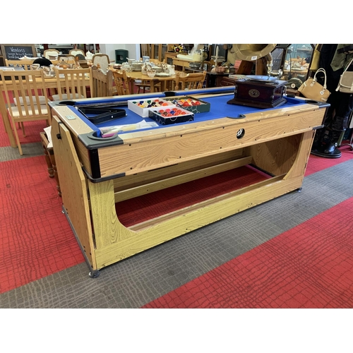 390 - Pool table/air hockey table with balls & snooker cues - reversible...