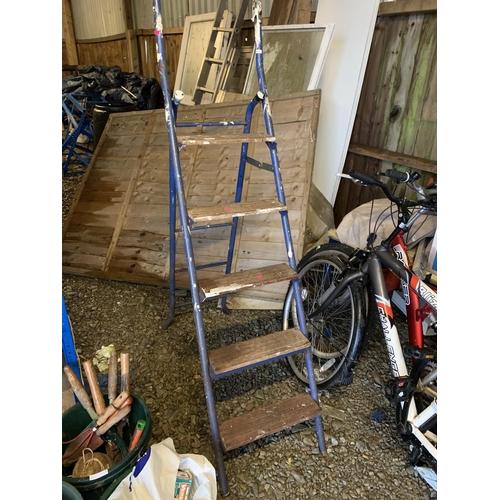 15 - Wooden & metal step ladder...