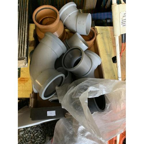 18 - Box of plumbing items...