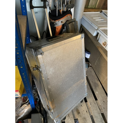 35 - Large wheeled heavy flight case extending handle...