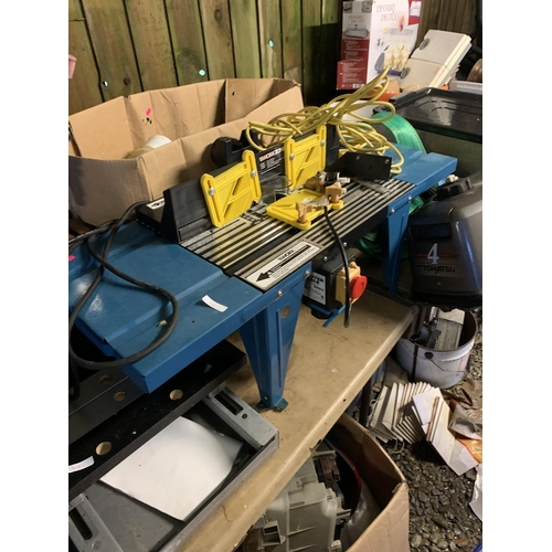 52 - Workzone router bench table...