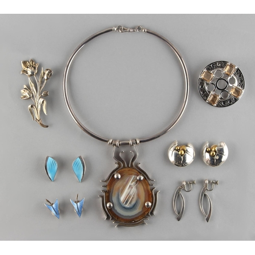 40 - Property of a deceased estate - a quantity of modern jewellery, mostly silver, including a silver & ...