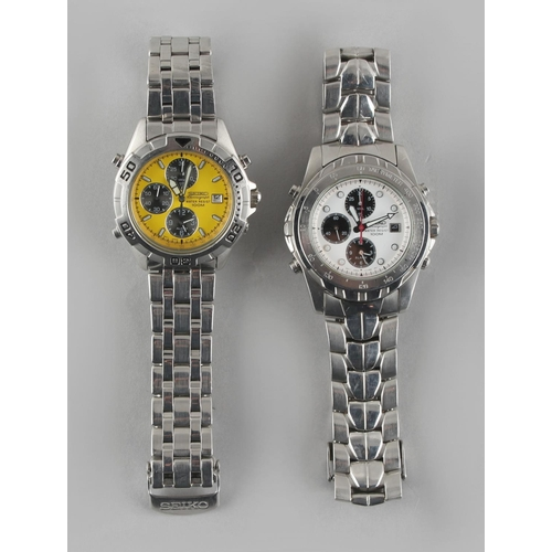 4 - Two gentleman's Seiko stainless steel cased 7T32 Chronograph Water Resist 100M wristwatches (2)....