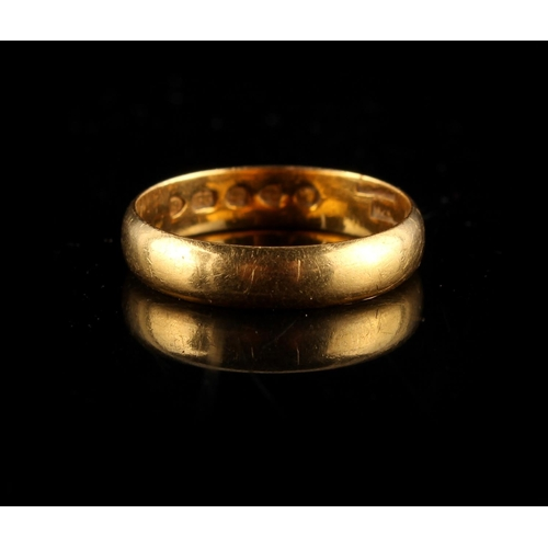 54C - Property of a deceased estate - a 22ct yellow gold wedding ring, approximately 3.4 grams, size M....