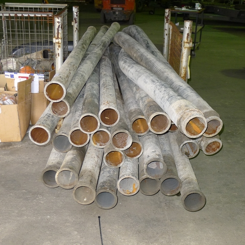 21 - A quantity of 100mm concrete screed pumping pipeline and related items including 26 x 3m lengths of ...