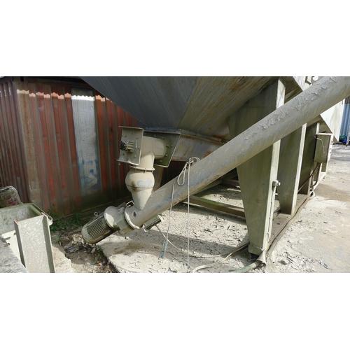 25 - 1 low level skid mounted 40 ton cement storage silo with motorised dispensing arm. Originally manufa...