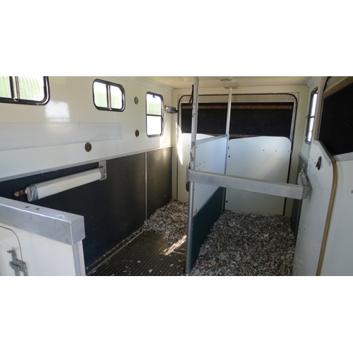 2589 - Iveco-Ford Cargo Horse box by Badminton Horseboxes. Reg V358 FFB, 1st Reg 23/12/1999. 7500 kgs gross...