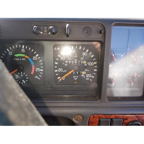 2590 - VOLVO FH12 HGV tractor unit 460 CD, 2 axle.. Reg X77 JED, 1st reg 10/10/2000,  Plate test 30/11/2018...