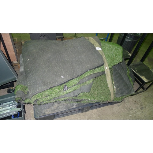 42 - 1 pallet containing artificial grass - condition unknown...
