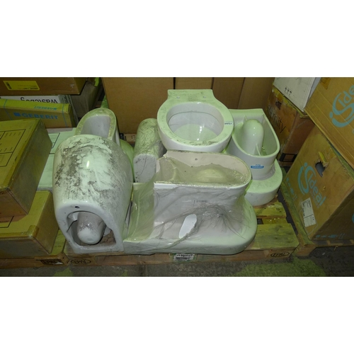 3057 - 1 pallet containing 5 various ceramic toilet pans (1 has chip on back corner) - NO cisterns included...