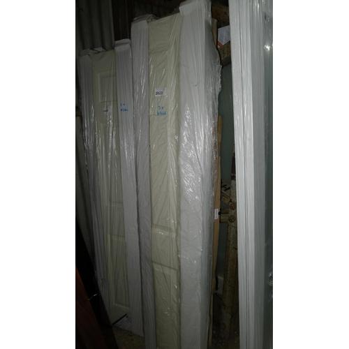 2023 - 3 bifold doors...