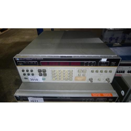 3010 - 1 Hewlett Packard 3325A synthesizer / function generator...