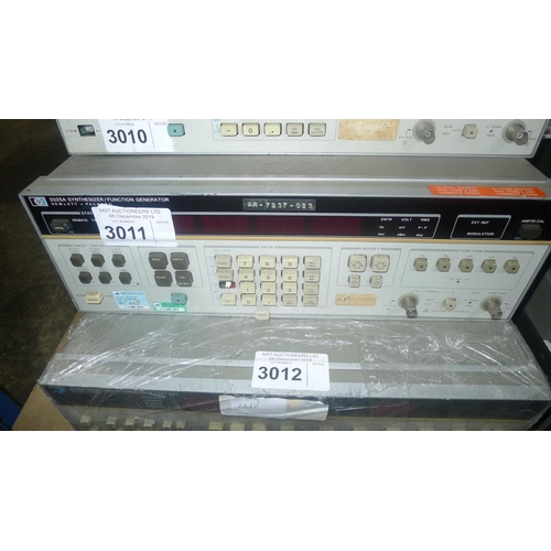 3011 - 1 Hewlett Packard 3325A synthesizer / function generator...