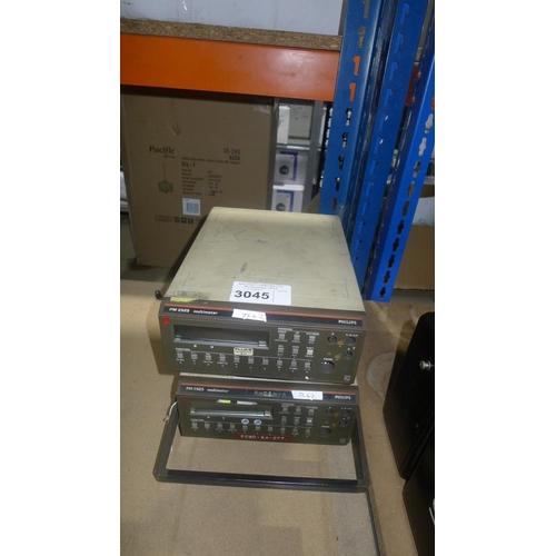 3045 - 2 Philips PM2525 digital multimeters...