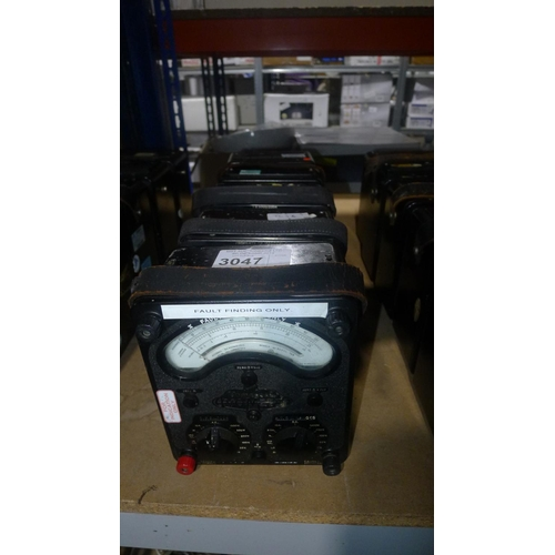 3047 - 5 x AVO 8 Mk3 multimeters...