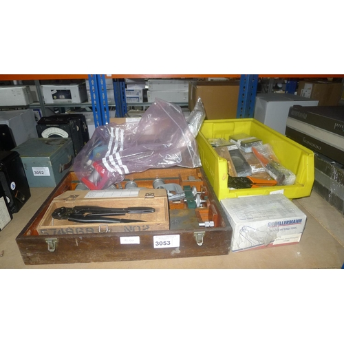3053 - A quantity of various precision engineering and other items including inspection accessories, crimpe...