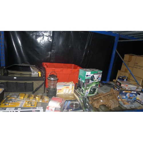 6 - A quantity of various tools including a Parkside sharpening station, a Parkside soldering station, a...