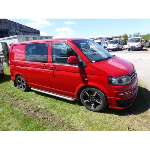 24 - VW Transporter T30 HiLine 180 TDi Kombi SWB Van/side windows, 6 seater, Red, Reg GL13 CXU, 31/07/201...