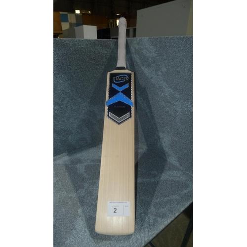 2 - 1 Macer Platinum cricket bat RRP £320 size SH, weight approx 1229 grams & a 100ml bottle of cricket ...