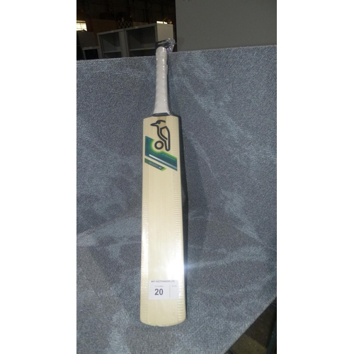 20 - 1 Kookaburra Prodigy 40 cricket bat size 3, bat has 18 E marked on it and weighs approx 732  grams...