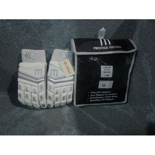 30 - A pair of Macer Prestige batting gloves size OSM L/H...