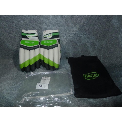 50 - A pair of Macer Elite batting gloves size Mens R/H...