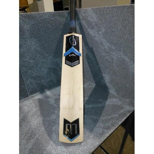 4 - 1 Macer Codex cricket bat size H,  weight approx 1089 grams...