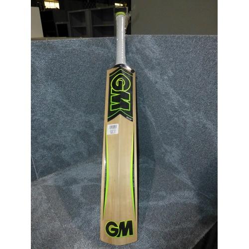 21 - 1 GM Zelos 101 cricket bat size 6, weight approx 898 grams...
