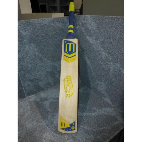 25 - 1 Macer Superstars cricket bat, weight approx 880 grams - no size visible...